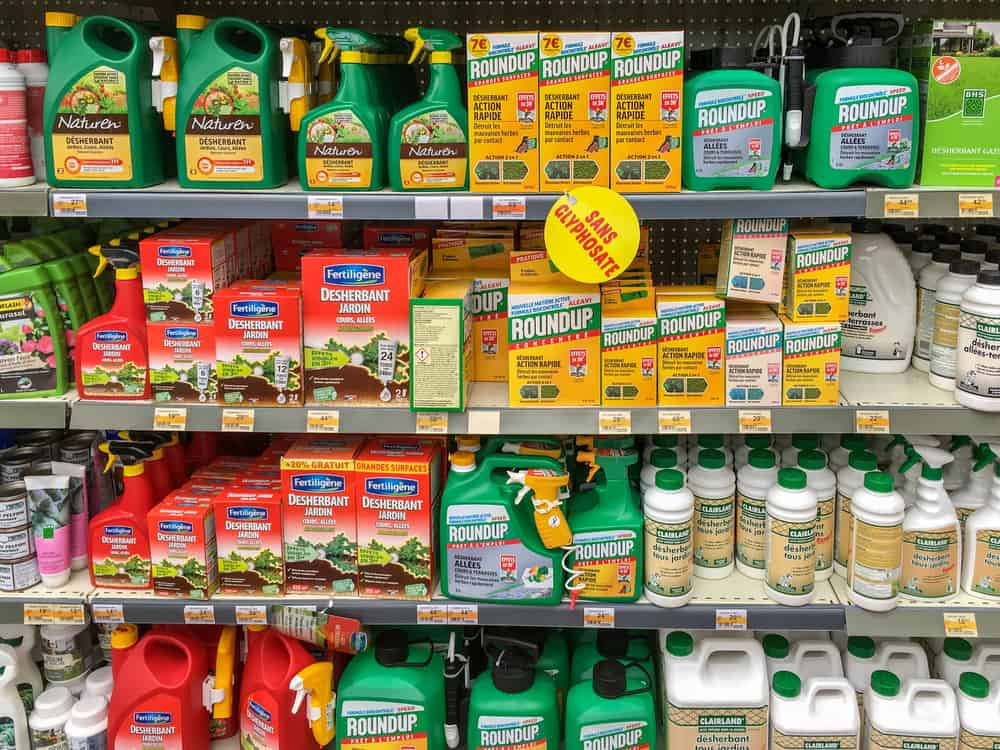 How to Use Post-Emergent Herbicides Safely 3